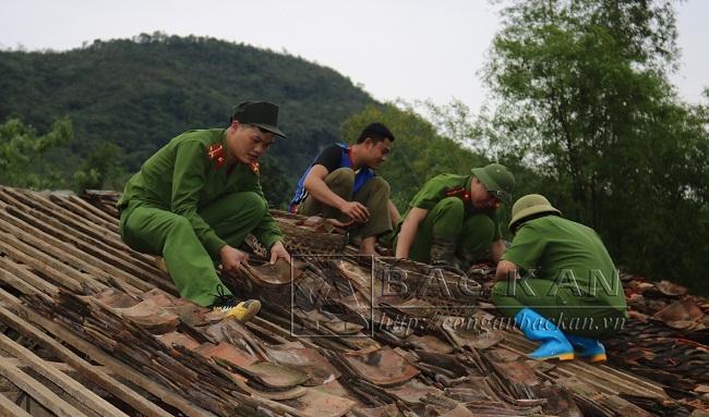 31 1 CA Pác Nam giúp dan khác phục hau qua mưa da
