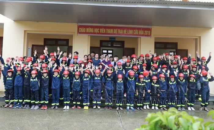 """Những """"lính cứu hỏa"""" nhí này sẽ được tham gia khóa học trong 9 ngày với nhiều kỹ năng ứng phó với nhiều tình huống trong cuộc sống"""