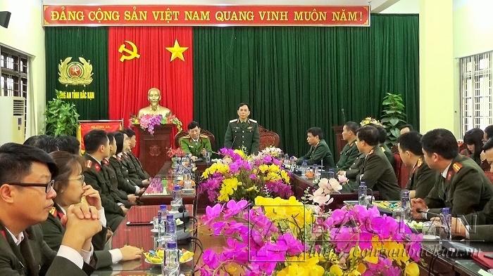 Thiếu tướng Lê Anh Tuấn, Phó Tư lệnh Quân khu I chúc tết CBCS Công an tỉnh Bắc Kạn