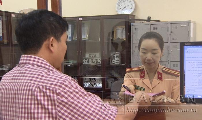 Giải quyết thủ tục đăng ký xe tại Phòng Cảnh sát giao thông Công an tỉnh Bắc Kạn