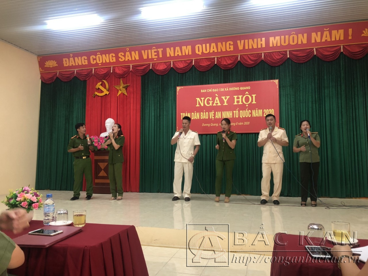 19 8 duogn quang